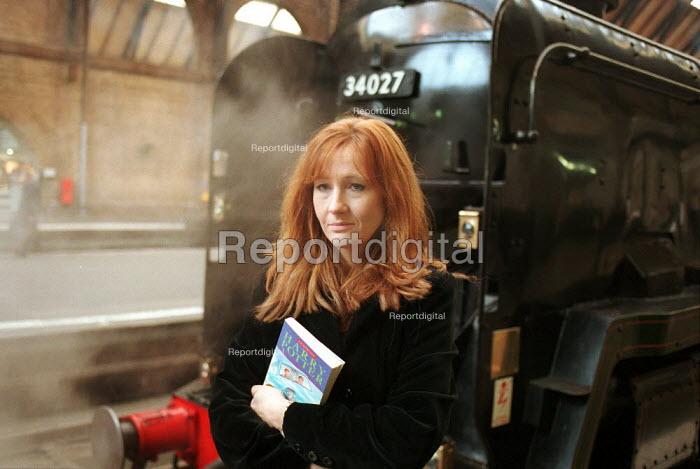 Harry Potter Author J.K. Rowling , Kings Cross Station - Duncan Phillips - 1999-02-18