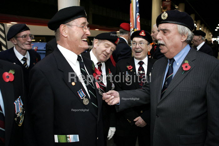 """Leslie Thomas author of """"the Virgin Soldiers"""" meeting members of the National Service veterans association. Remembrance service London - Duncan Phillips - 2004-11-10"""