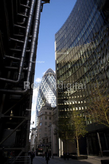 The Gherkin, skyscraper in the city of London financial district. - Duncan Phillips - 2008-10-22