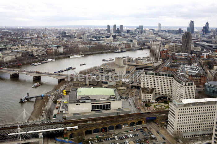 View of the the river Thames, The Royal Festival Hall, Waterloo Bridge, The National Theatre on the South Bank, and the city of London from the London eye - Duncan Phillips - 2010-04-04