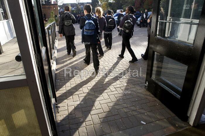 Pupils at a London comprehensive secondary school - Duncan Phillips - 2010-11-26
