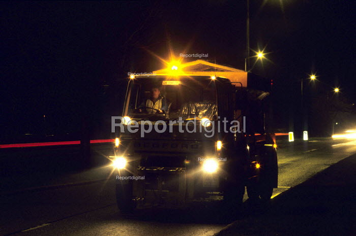 Gritting lorry , Harrow, London - Duncan Phillips - 2007-02-10