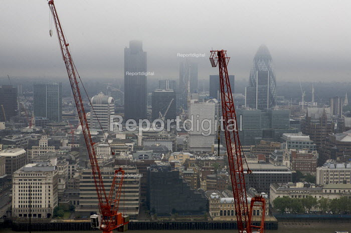 Gloomy weather over the City of London financial district - Duncan Phillips - 2008-05-25