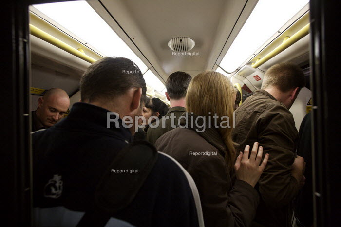 Packed tube carriage, London - Duncan Phillips - 2008-05-20