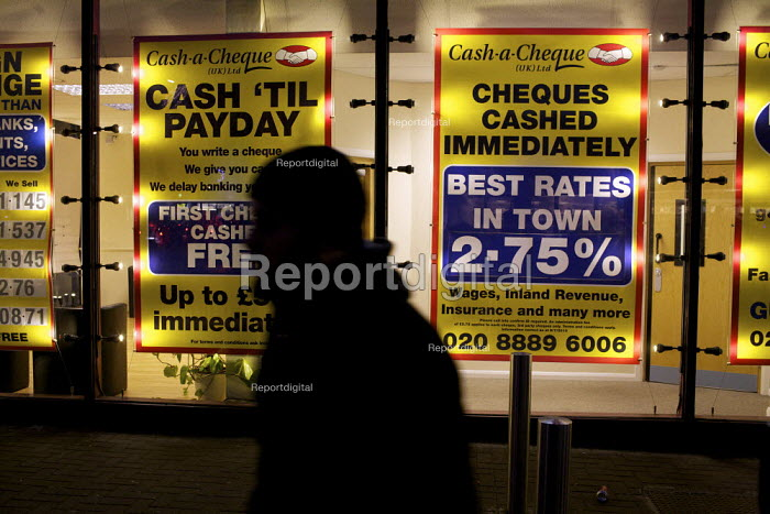 Cash a Cheque Payday Loan and foreign currency exchange shop, Wood Green, London. - Duncan Phillips - 2011-12-07