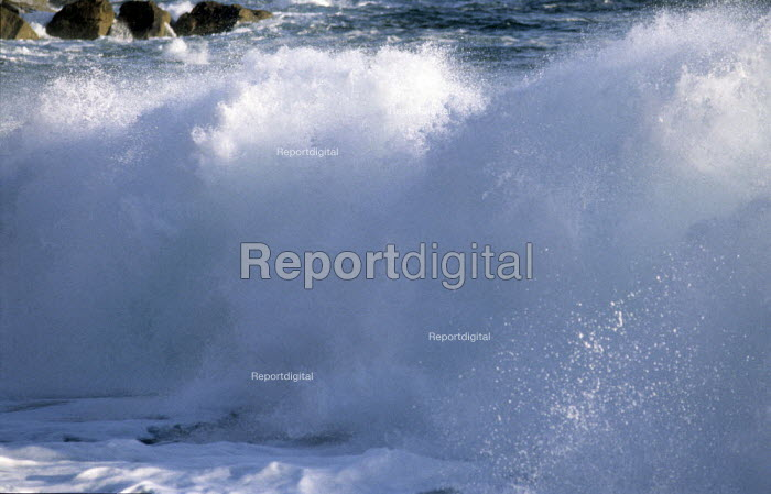 Waves, crashing on a beach in Cornwall - Duncan Phillips - 2005-07-15