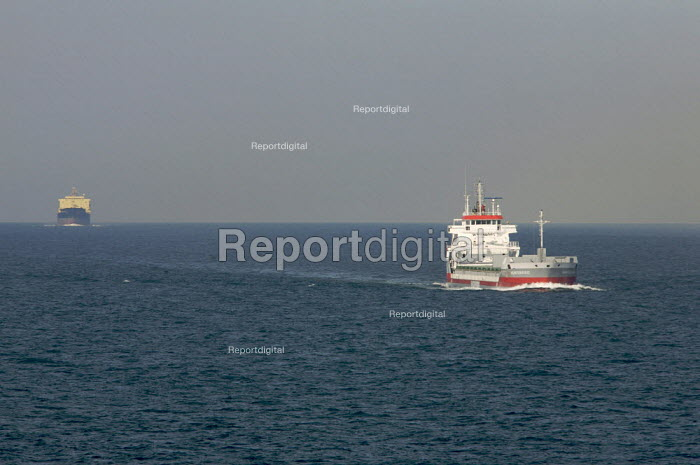 Shipping in the English Channel. - Duncan Phillips - 2007-08-03