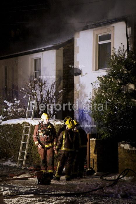 Firefighters attend a house Fire, Barnet, London - Duncan Phillips - 2010-01-07