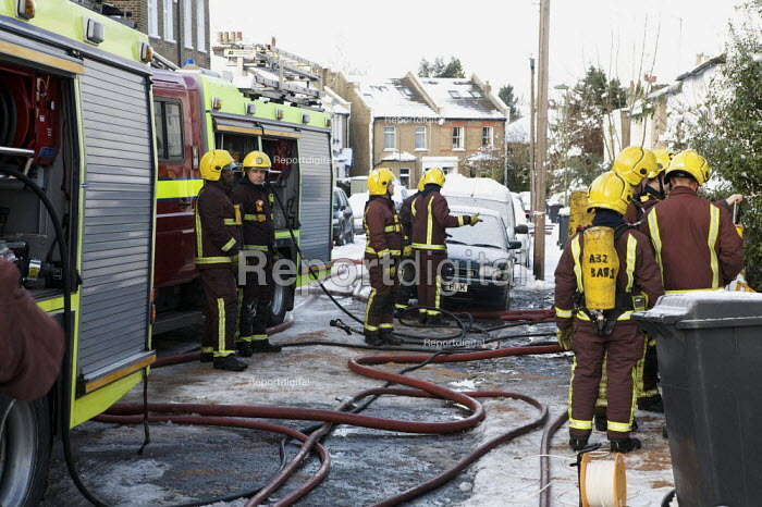 Firefighters attend a house Fire, Barnet, London - Duncan Phillips - 2010-01-07