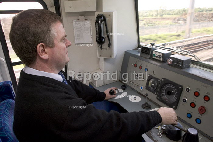 View from a train drivers cab - Duncan Phillips - 2006-05-23