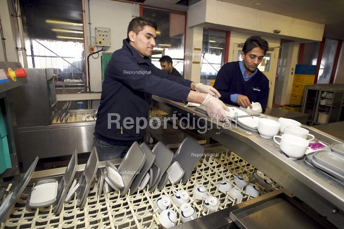 Rail Gourmet workers crockery washing, Euston Station.. - Duncan Phillips - 2008-12-10