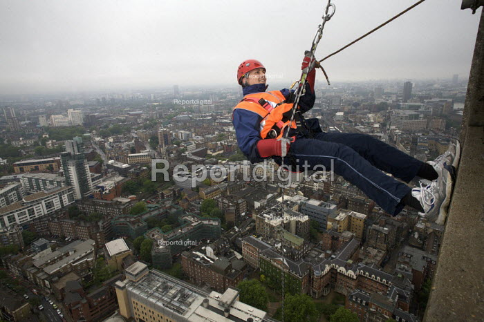 Charity abseil, London - Duncan Phillips - 2008-05-25