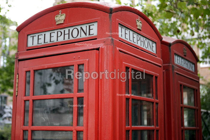Red Telephone boxes - Duncan Phillips - 2006-10-06