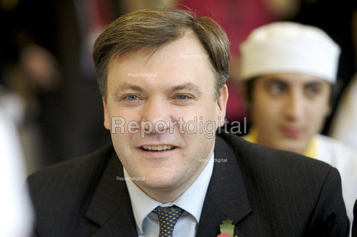 Ed Balls visiting sixth form pupils, Westminster Kingsway College, London - Duncan Phillips - 2007-11-05