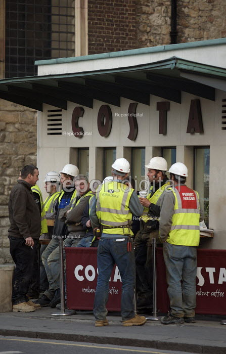 Construction workers taking a coffee break, City of London - Duncan Phillips - 2006-12-06