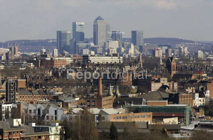 Cityscape showing the City of London the financial district. - Duncan Phillips - 2006-04-05