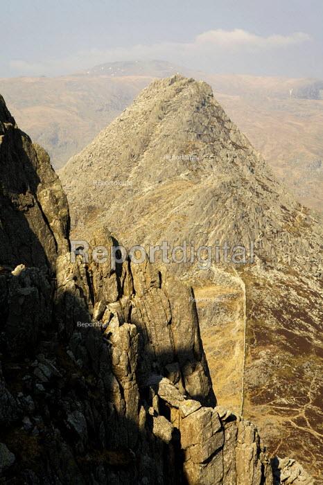 Tryfan, Snowdonia National Park - Duncan Phillips - 2007-04-01