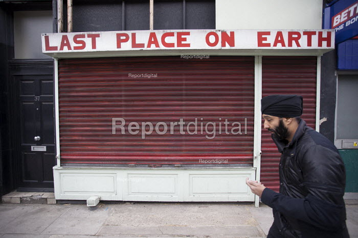 The Last Place on Earth, closed shop, west London - Duncan Phillips - 2013-05-14