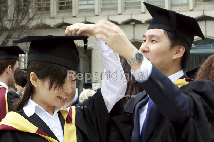 University Graduation ceremony, Guildhall, London. - Duncan Phillips - 2011-03-17