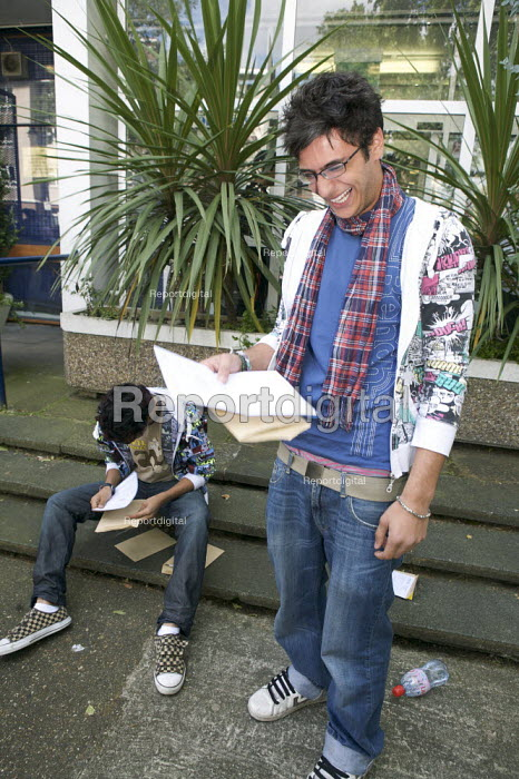 A Level Results Day, Westminster Kingsway College, London - Duncan Phillips - 2008-08-14