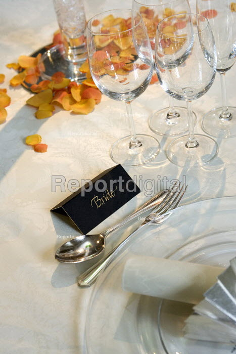 Brides place setting at a wedding reception. - Duncan Phillips - 2006-09-17