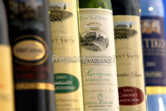 Bottles of wine - Duncan Phillips - 2004-07-15