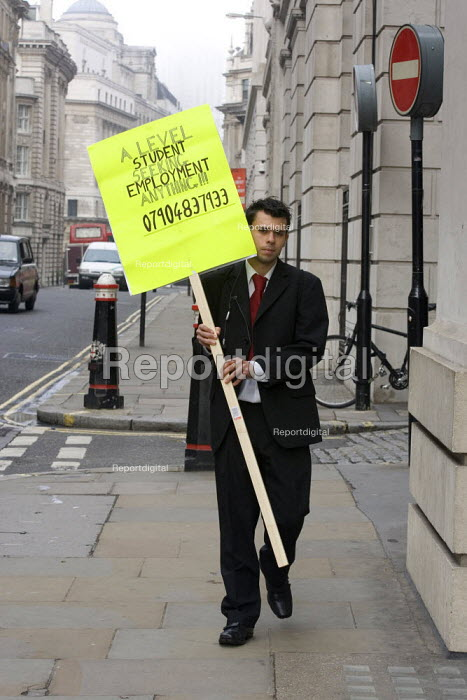 An A level student looking for a job in the city - Duncan Phillips - 2005-10-17