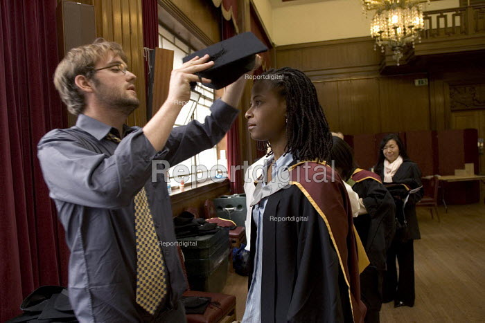 University Graduation at Guildhall, in London. - Duncan Phillips - 2005-05-26