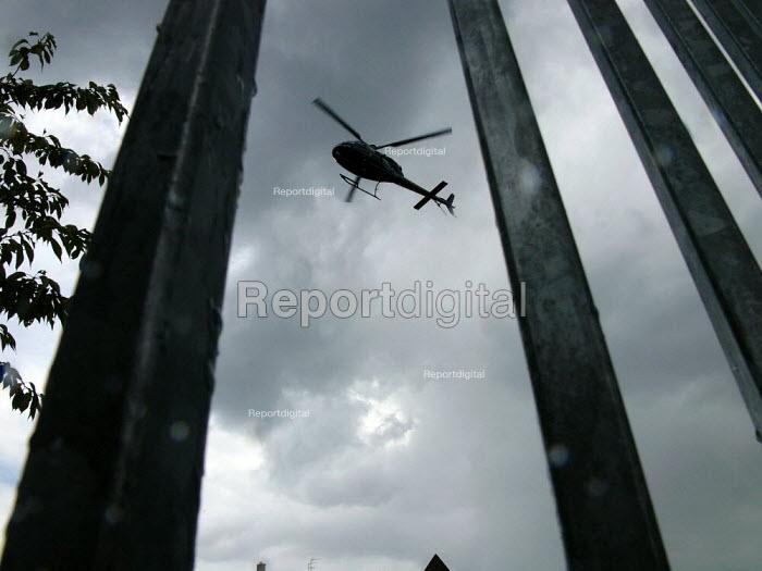 Air Ambulance landing in a car park - Duncan Phillips - 2005-08-25