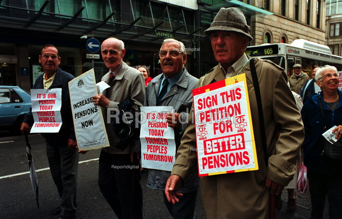 Pensioners protest against Government pension policy by... - Gerry McCann, G0009007.jpg