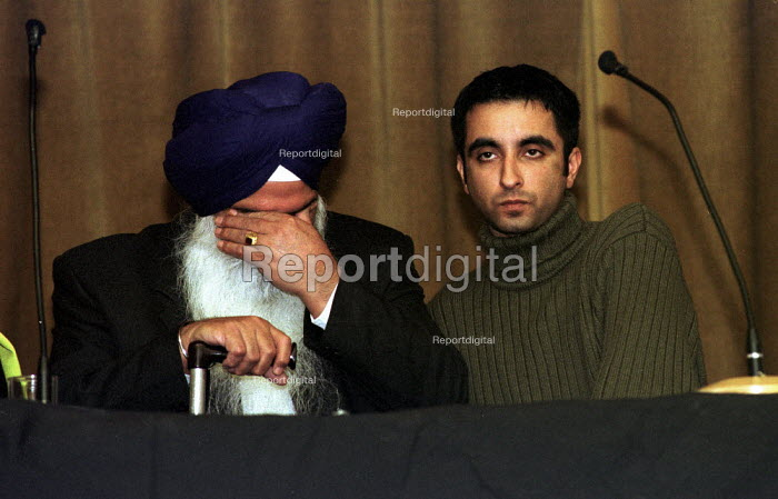 Relatives of murdered Sikh waiter Surjit Singh Chhokar break down at a rally in Glasgow calling for a new public inquiry into his death. His father Darshan Singh Chhokar has withdrawn his support from the current inquiry. They are supported by legal adviisor Aamer Anwar - Gerry McCann - 2001-01-13