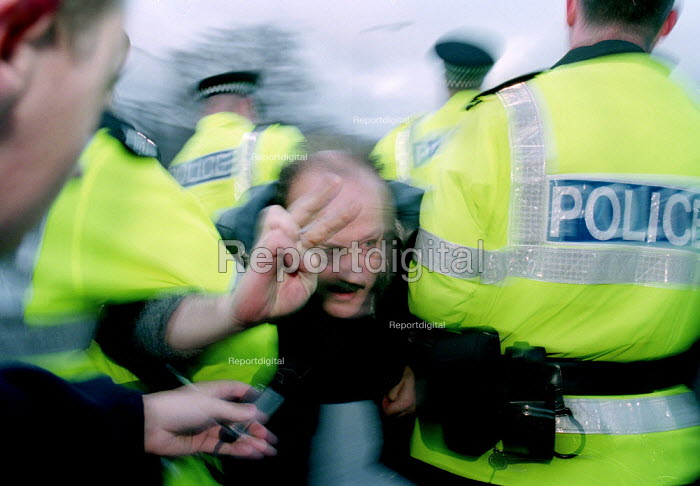 MP George Galloway is arrested by Police after joining in the blockade of the Faslane Nuclear base. - Gerry McCann - 2001-02-12