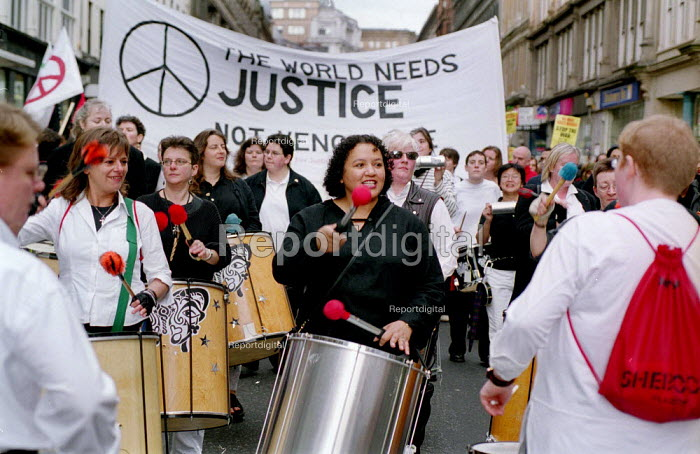 In a rally organised by CND Scotland 3.000 people protest... - Gerry McCann, G0110007.jpg