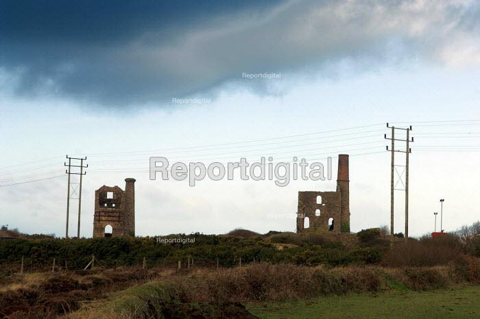 Derelict Tin mines near Camborne, Cornwall - Geoff Crawford - 2006-01-20