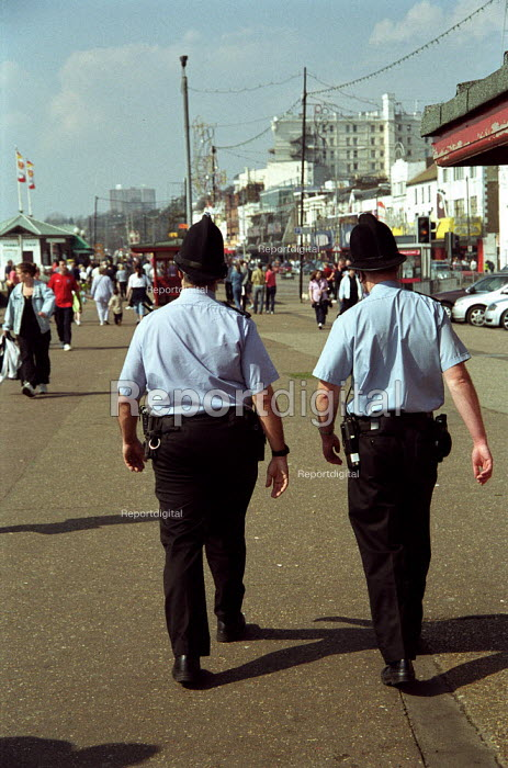 Bobbies on the beat in Southend, Summer 2002 - Geoff Crawford - 2002-06-21