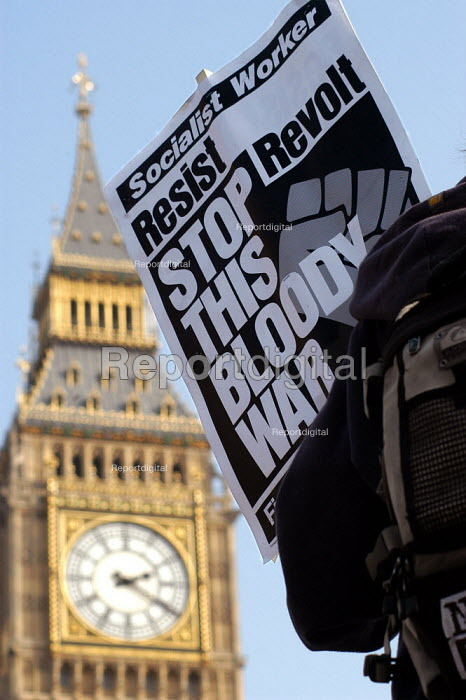 Anti-war demonstrator on the day war in Iraq broke out. March 20th 2003. - Geoff Crawford - 2003-03-20