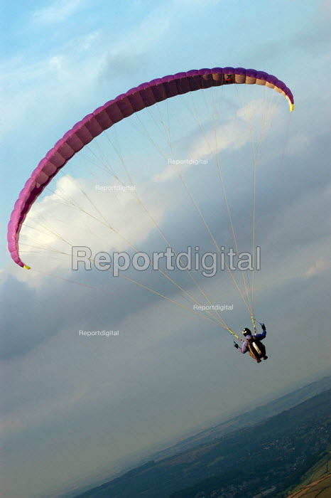 Paraglider at Shining Tor in the Peak District. - Geoff Crawford - 2002-08-05