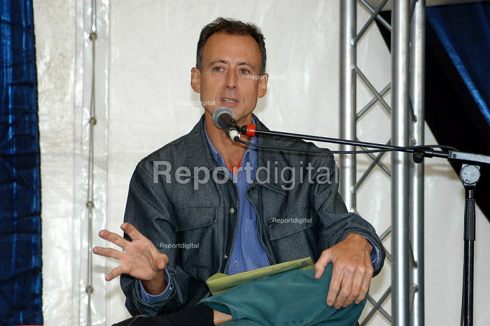 Gay rights activist and campaigner Peter Tatchell speaking at Greenbelt Festival August 2003 - Geoff Crawford - 2003-08-25