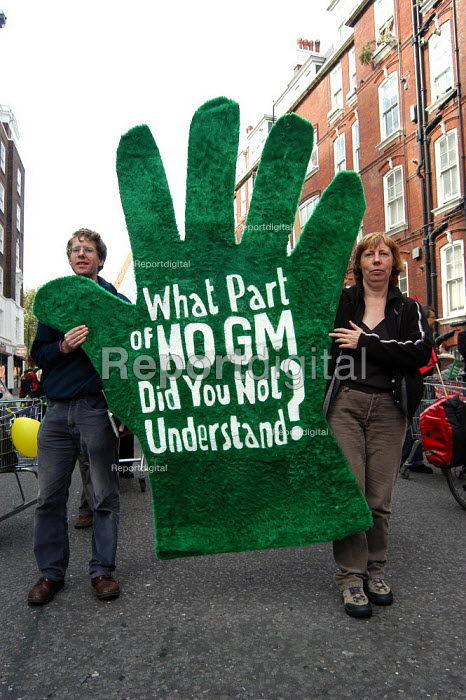 Protesters march against GM food production in London. placard reads - What part of NO GM did you not understand? October 13th 2003 - Geoff Crawford - 2003-10-13