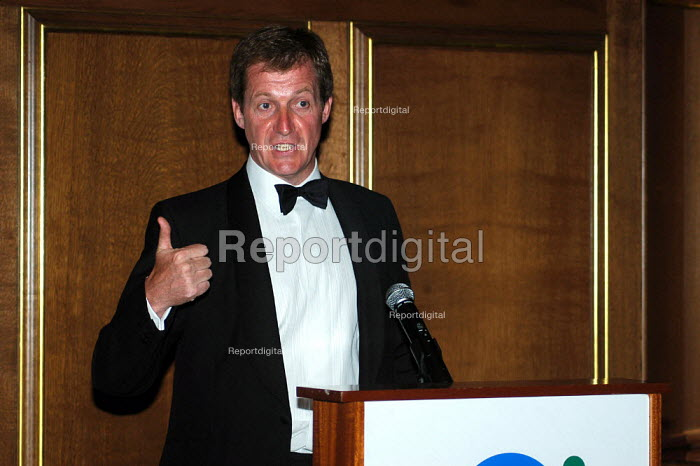 Alastair Campbell speaking at a Business Dinner. The former Director of Communications speaking at the Chairmen's Business Forum in London - Geoff Crawford - 2004-06-15