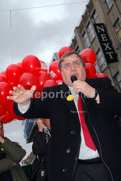 John Prescott campaigning for a yes vote in the devolution... - Geoff Crawford, GC041108.jpg