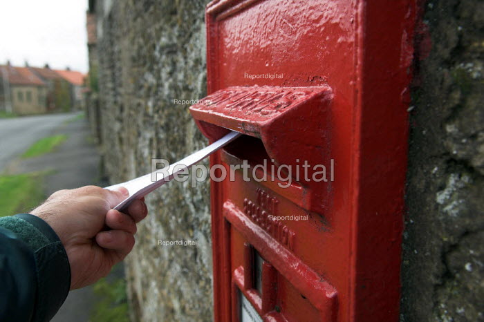 Posting a letter in Sawdon village, North Yorkshire Moors - Geoff Crawford - 2005-08-20