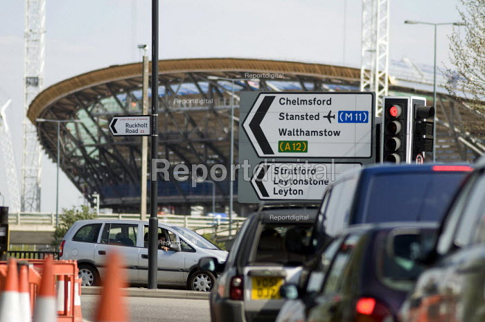 Construction of the Olympic velodrome just of the A12 in east London. - Geoff Crawford - 2010-04-20