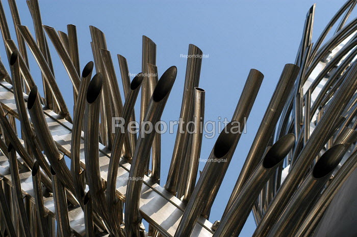 Angel Wings, a sculpture at the N1 shopping centre, Angel Islington, London - Geoff Crawford - 2003-03-19