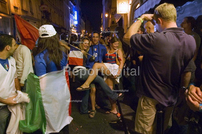 Italian football fans celebrating World Cup victory on the streets of Paris - Graham Howard - 2006-07-09
