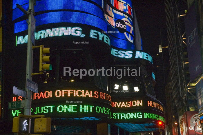 Advertising in Times Square, New York - David Bacon - 2006-05-12
