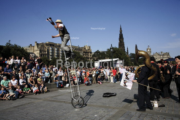 Street performers include jugglers and acrobats and singers during the Edinburgh Festival. - Gerry McCann - 2006-08-13