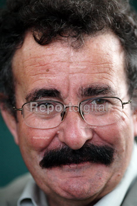 Professor Lord Robert Winston, the IVF pioneer poses for pictures during the Edinburgh Book Festival. - Gerry McCann - 2006-08-13