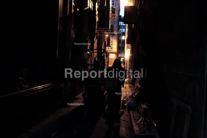 Pedestrians at night in Glasgow city centre. - Gerry McCann - 2006-06-07