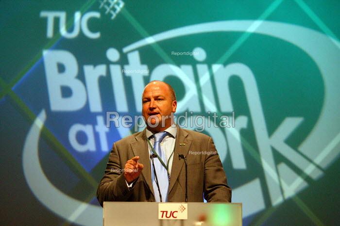 Bob Crow RMT speaking at TUC Congress 2003 - John Harris - 2003-09-08